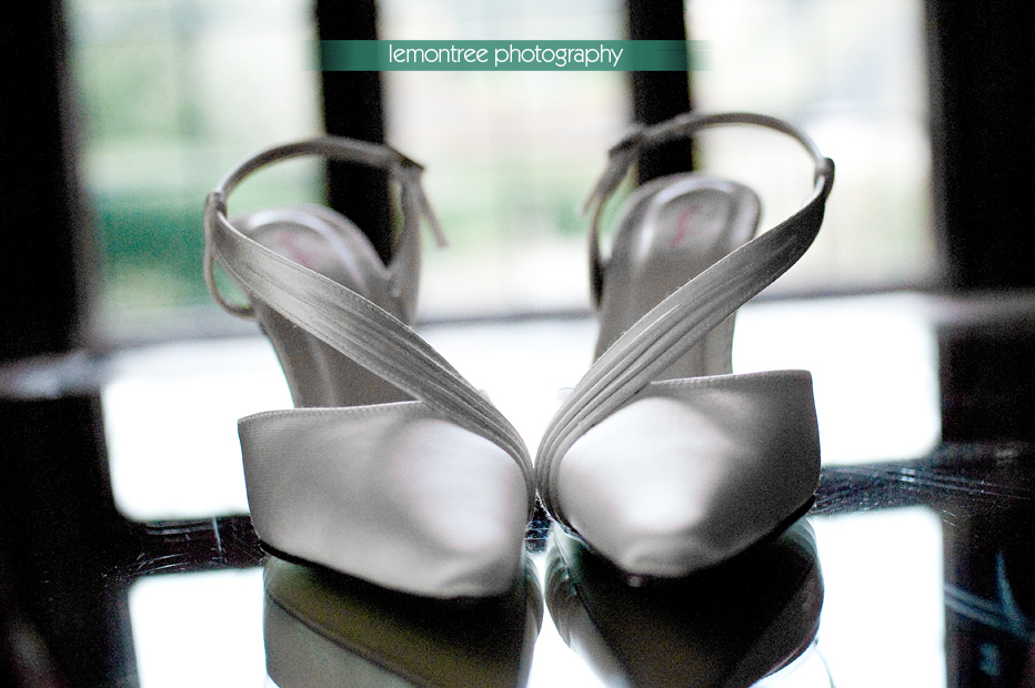 Brides shoes before her somerset wedding
