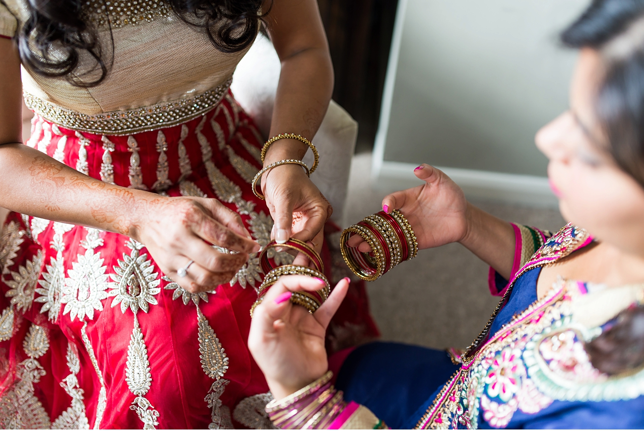 bride-putting-on-jewellery
